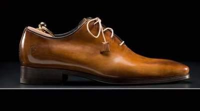 chaussure de luxe avec semelle rouge chaussure de luxe homme rouge chaussures de luxe tendance. Black Bedroom Furniture Sets. Home Design Ideas